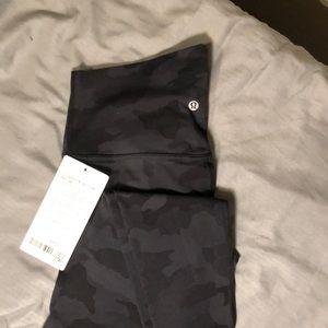 NWT lululemon. Align HR Pant 28. Size 6. Dark Camo.